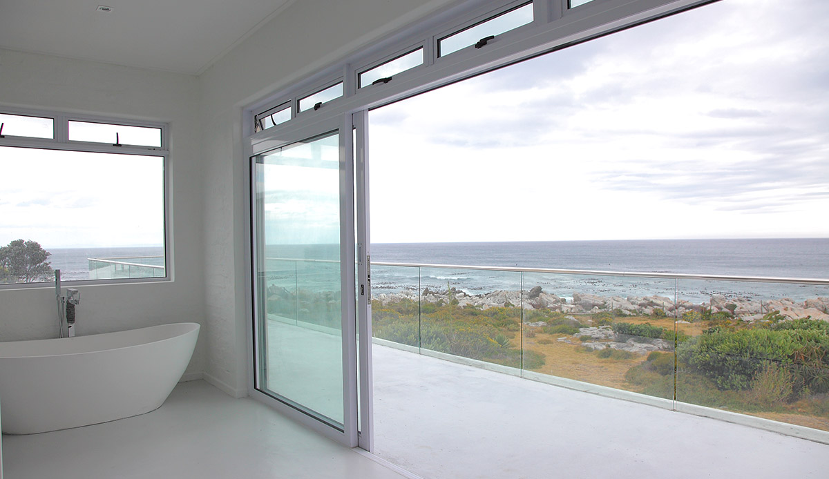 Sea view from House Lermer's bathroom
