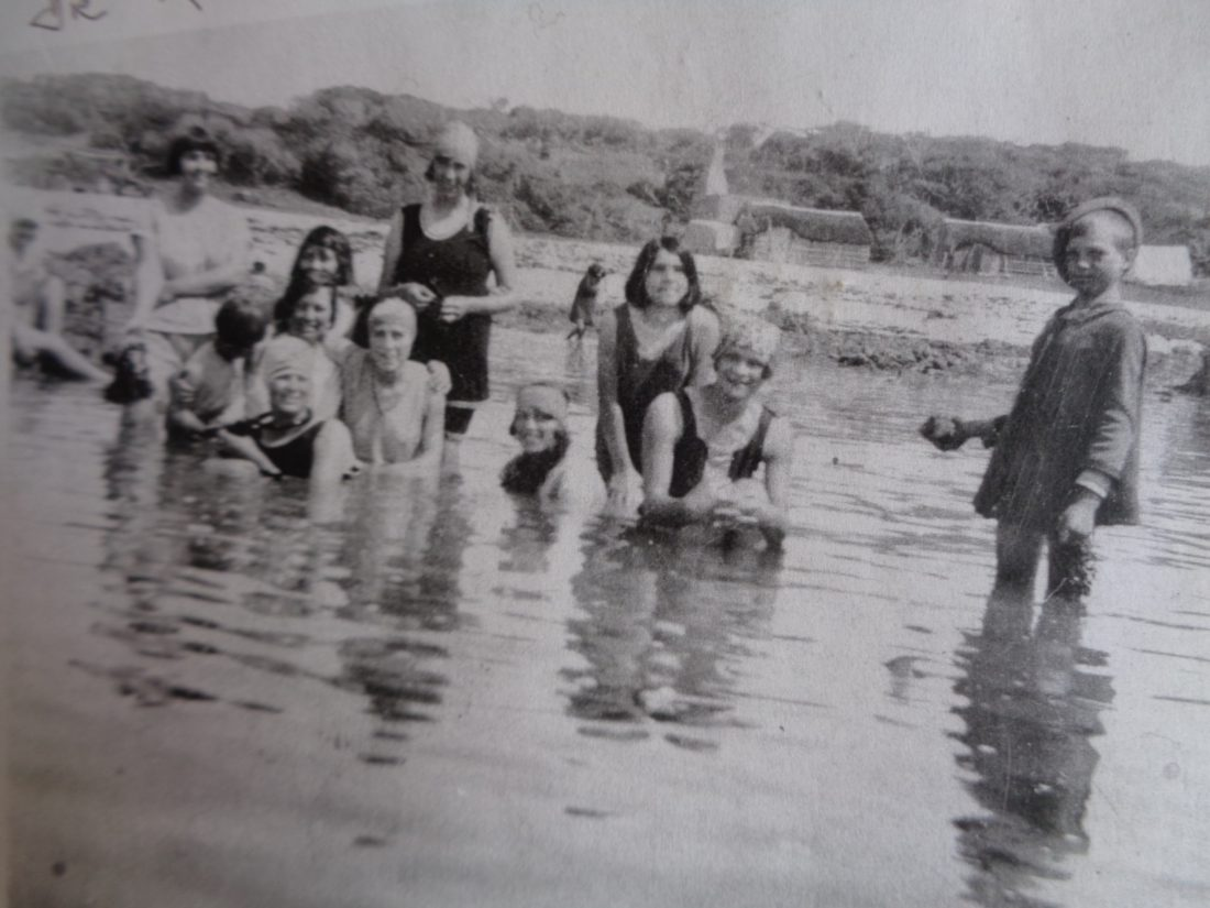 Historic photograph of holiday makers at Kleinbaai, c.1920s
